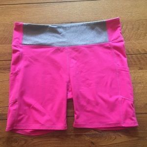 Fabletics Rainbow Multi Color Chevron Athletic Exercise Shorts Size Small Elegant Appearance Women's Clothing